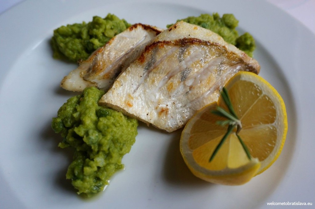 Grilled zander with pea and mint puree