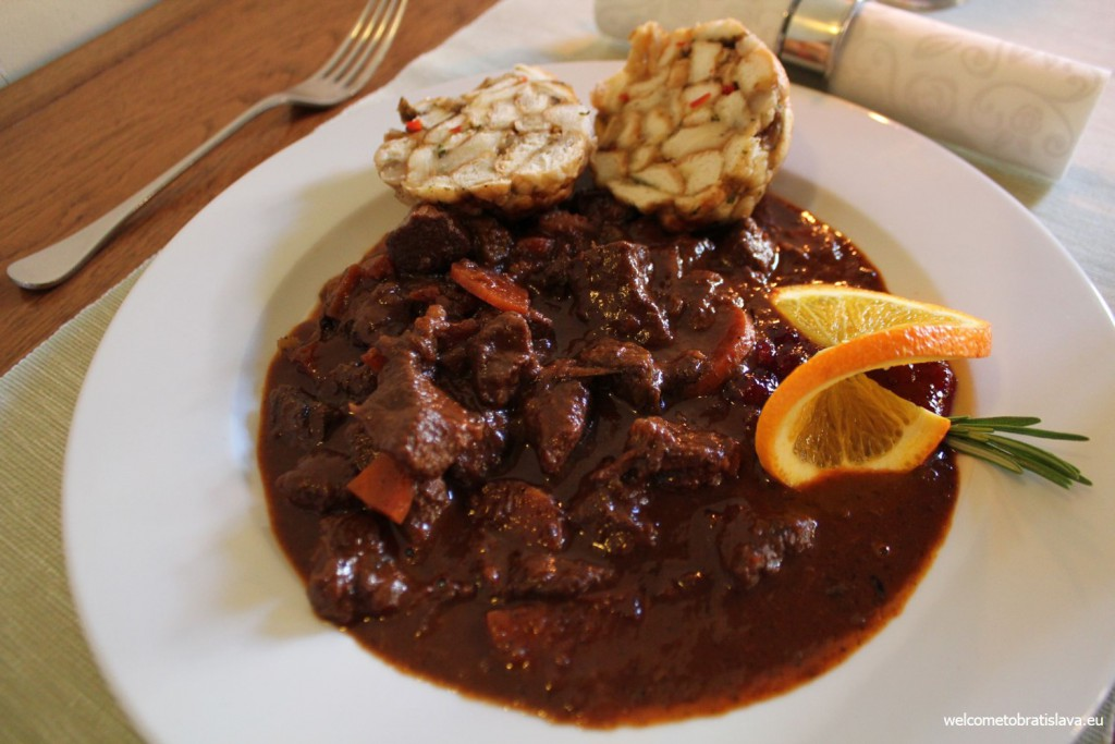 Hradna Hviezda: deer goulash with homemade breadroll dumpling