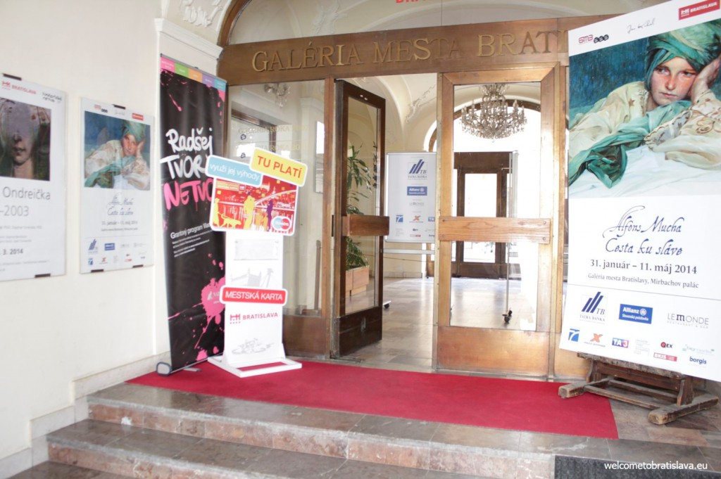 Mirbach Palace building: main entrance