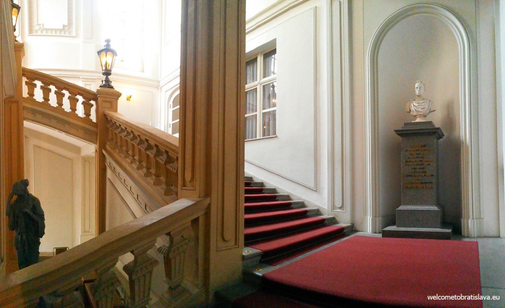 The palace's interior