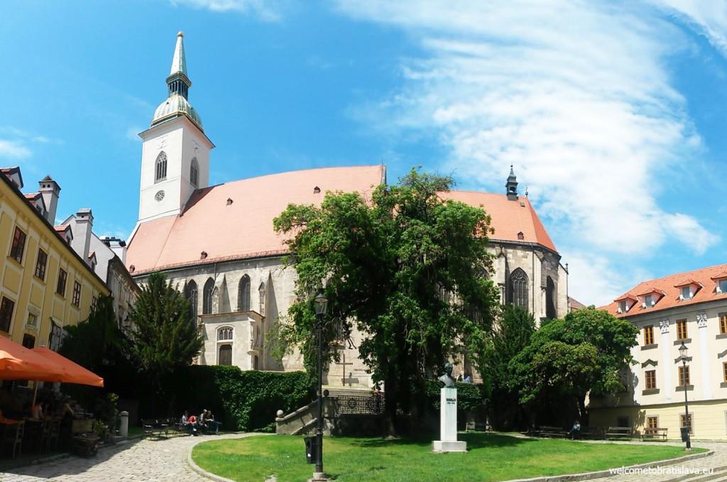 The beautiful Rudnay square