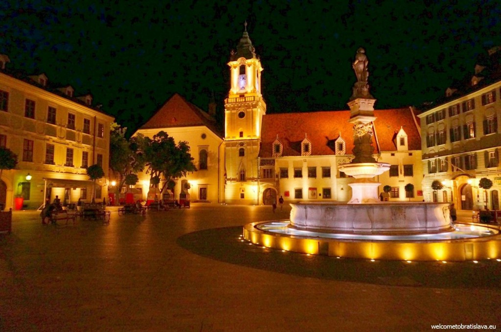 Main square at night :)
