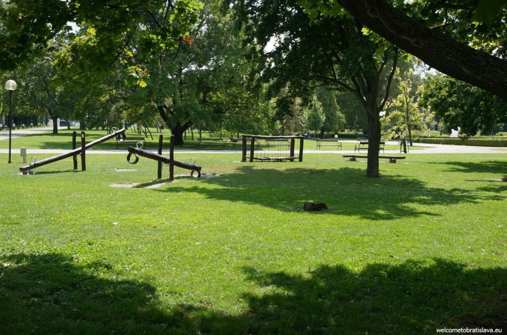 Presidential garden: playground for children