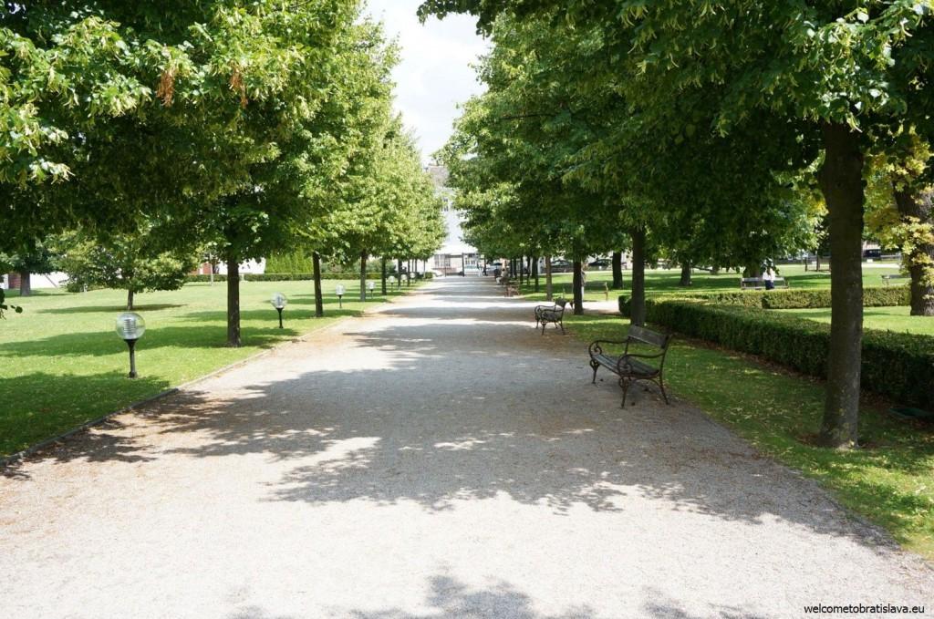 The presidential garden - entrance