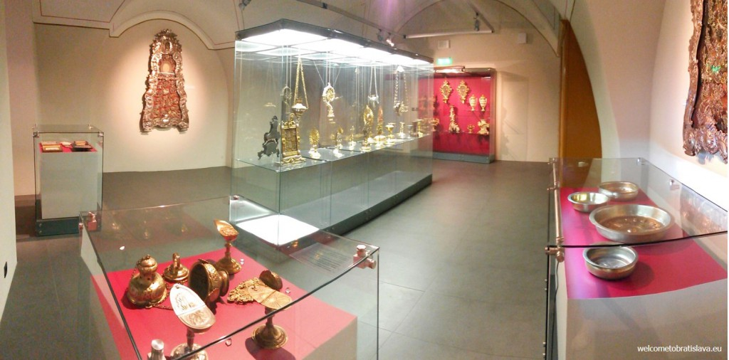 The exposition of sacral fine arts and artisanal crafts