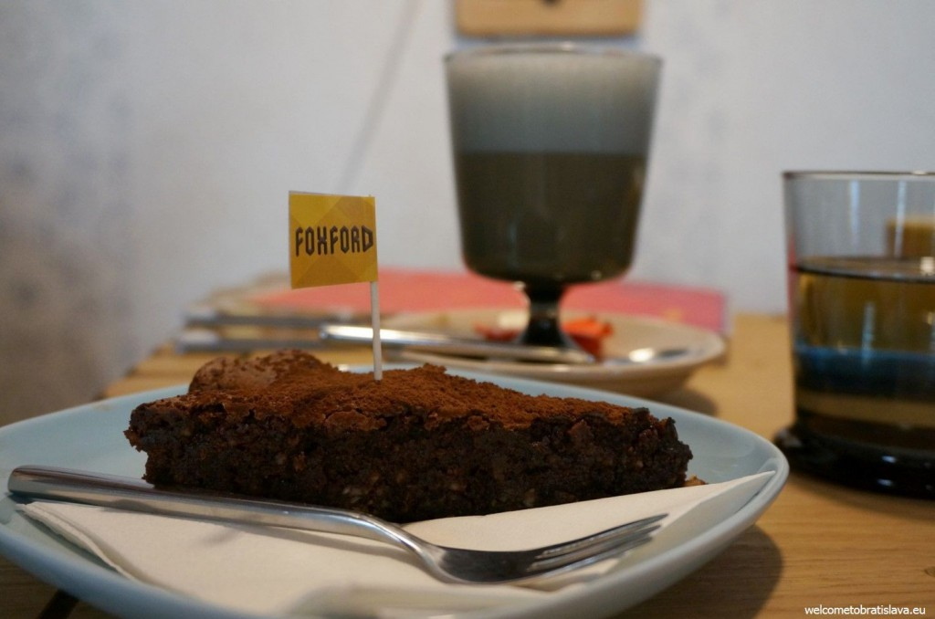 Foxford: chocolate brownie with prunes