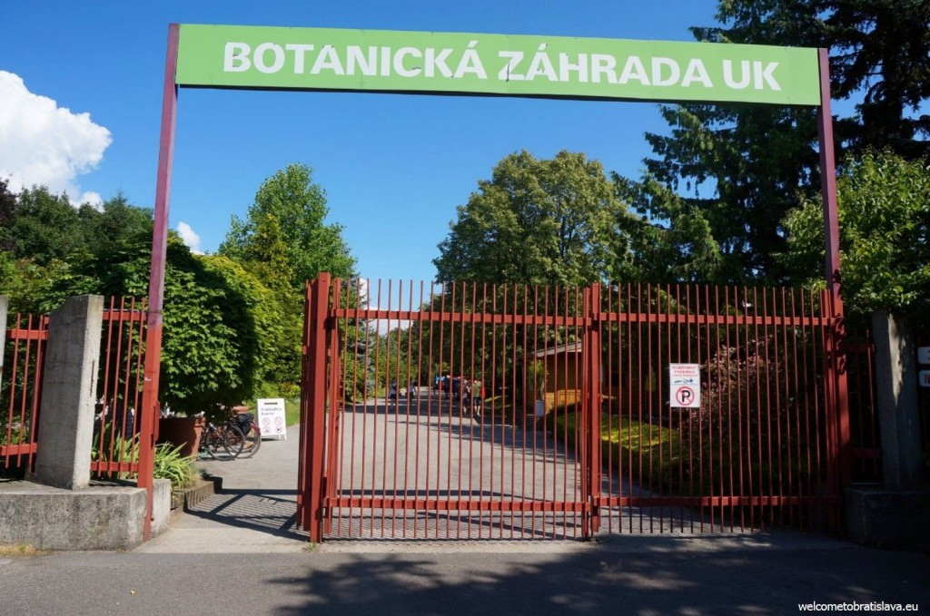 Botanic Garden: the main entrance