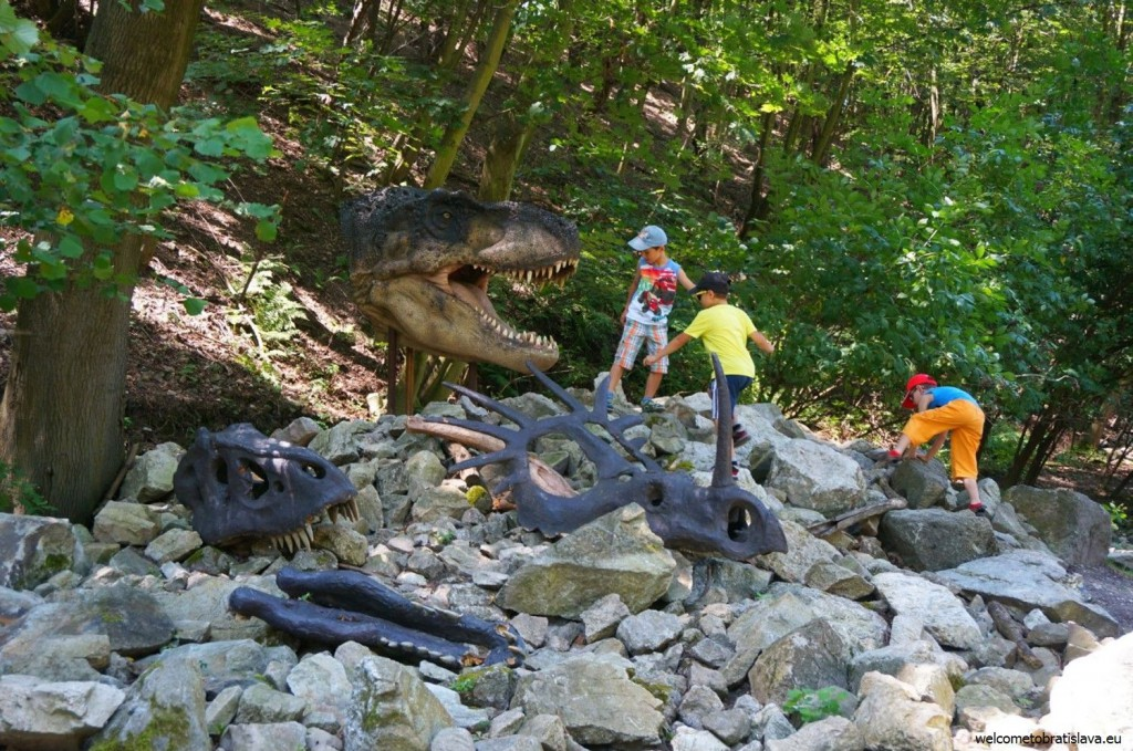 A life-size model of an extinct dinosaur
