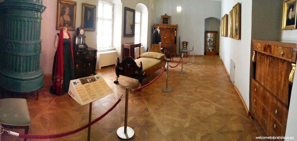 A bedroom from the end of the 18th century