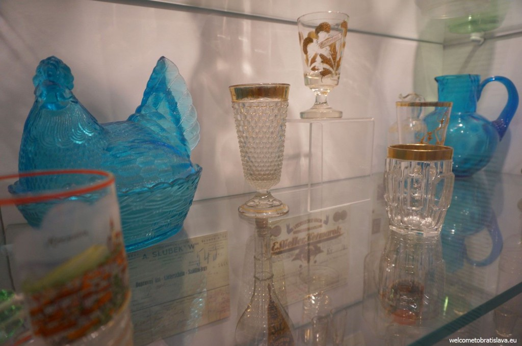 Ceramic dishes and glasses
