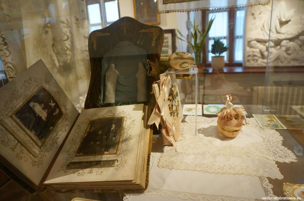 A home altar to which the people used to pray