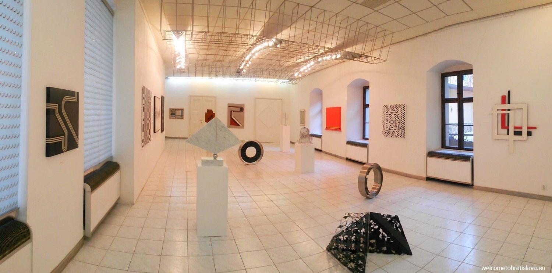 Gallery Z - interior