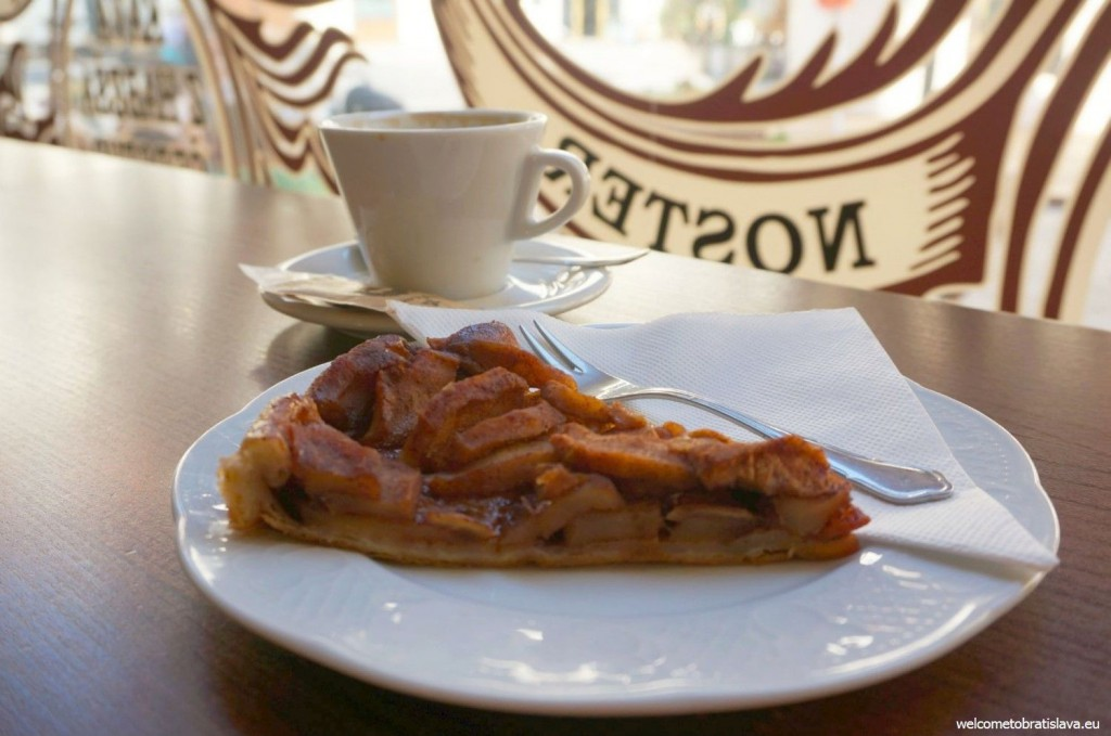 Stur: delicious apple tart - great for breakfasts!