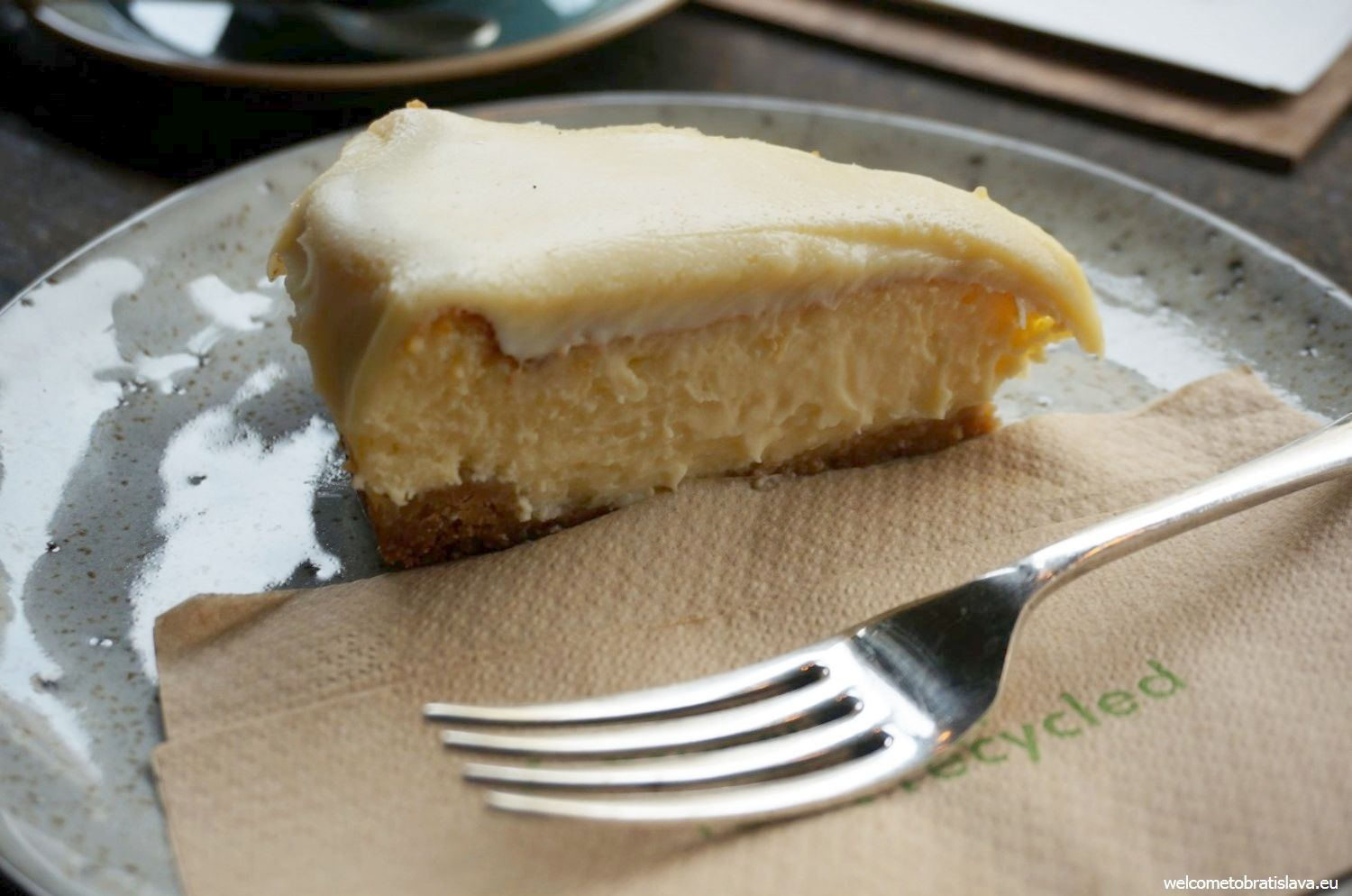 Urban House: white chocolate cheesecake