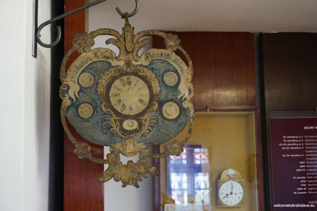 Example of a hanging clock