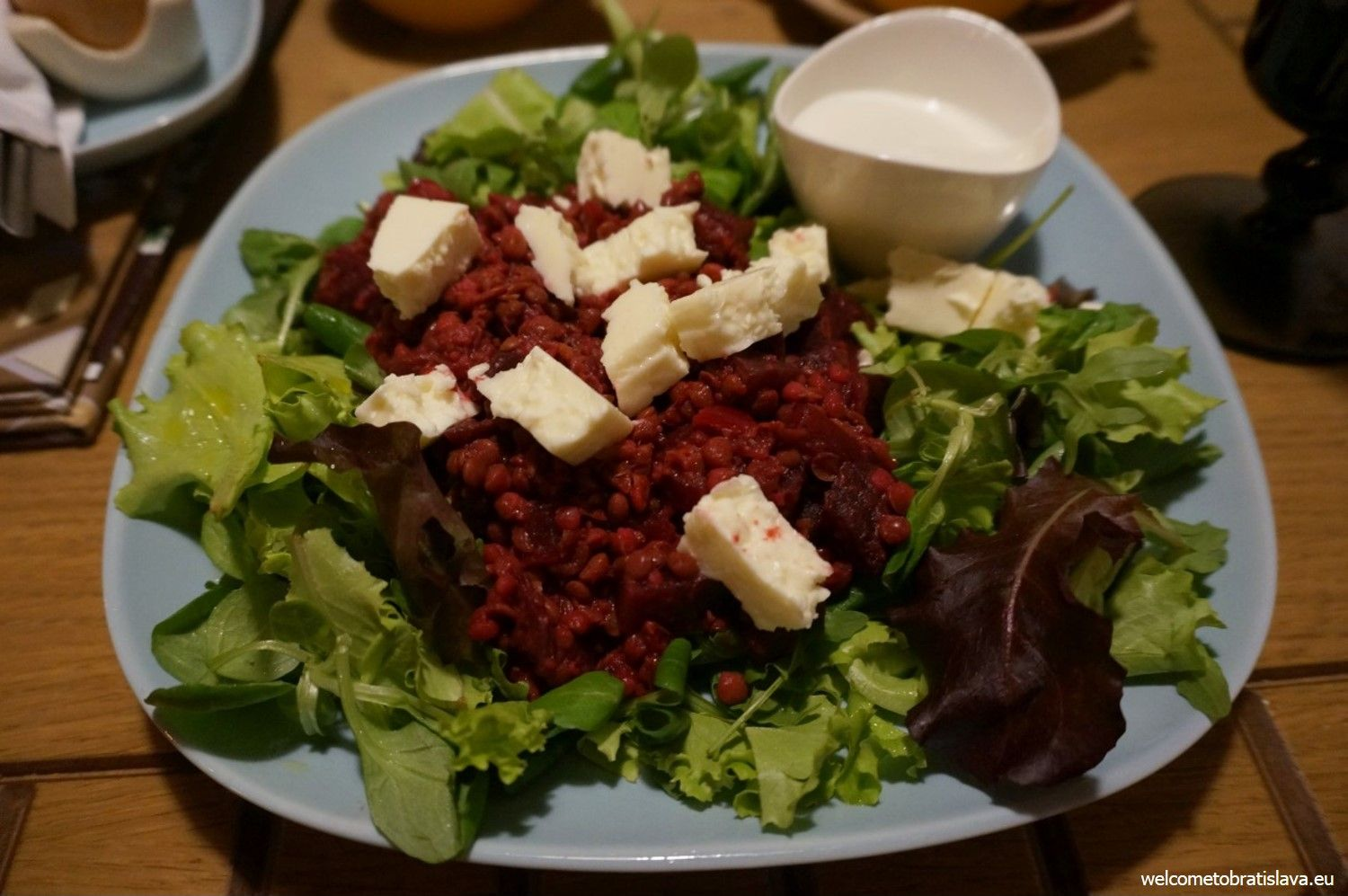 Warm lentil salad with beetroot and cheese