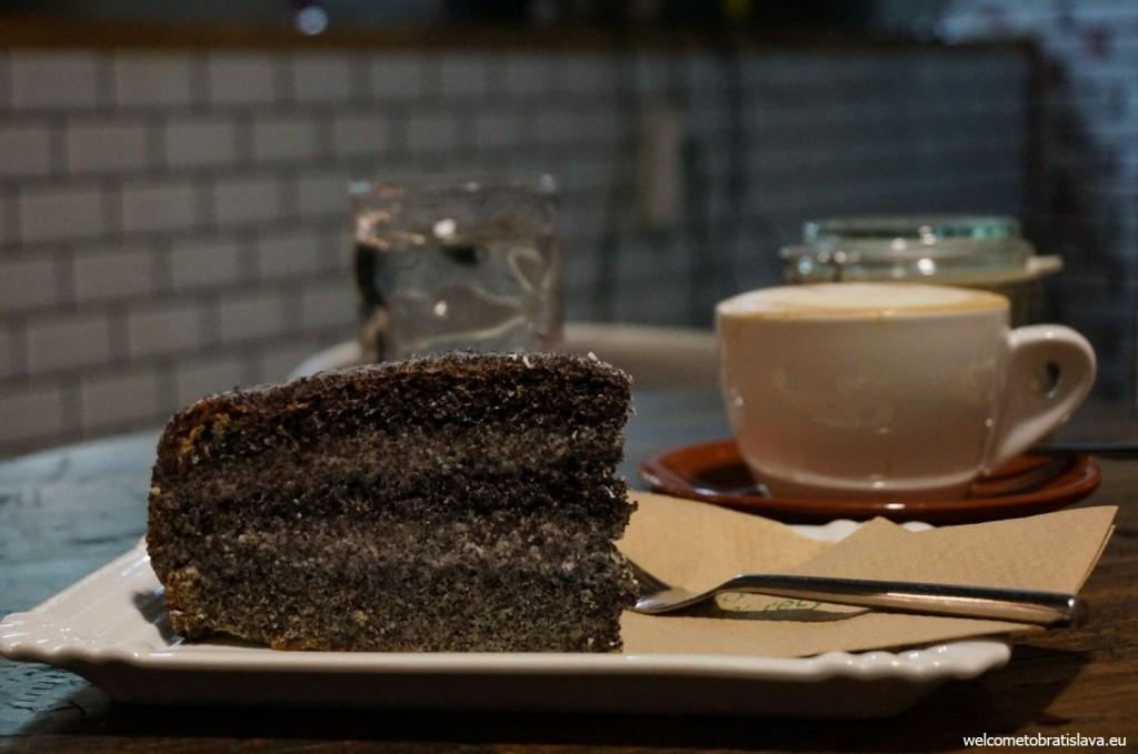 A fabulous poppy-seed cake