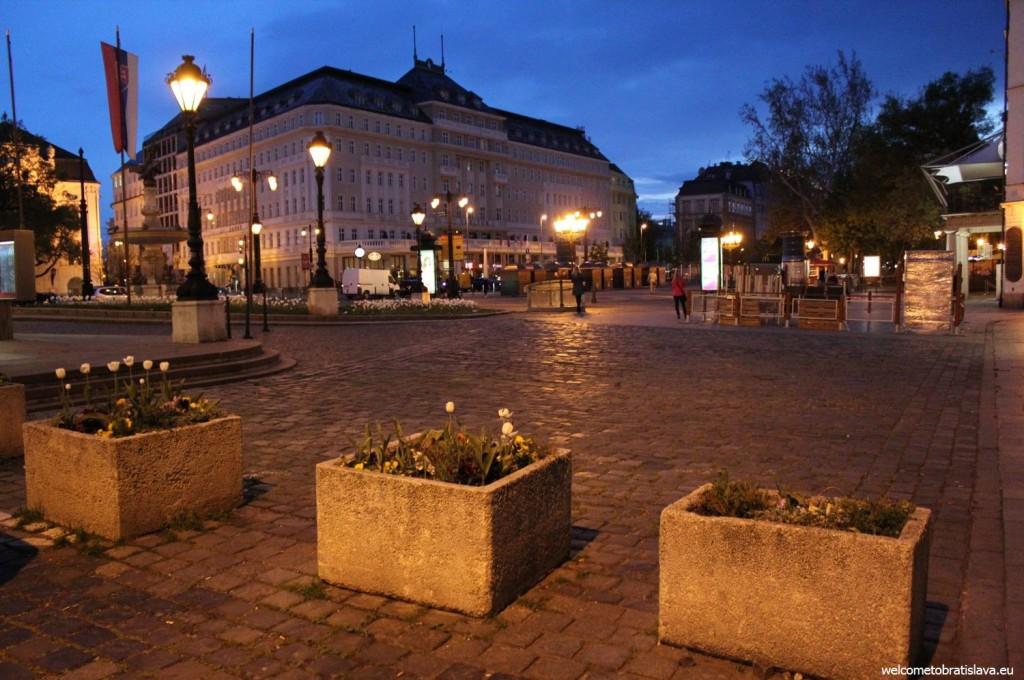 Bratislava: Hviezdoslav's square