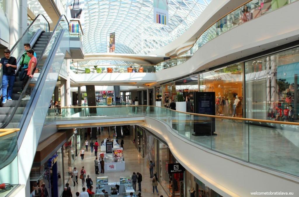 Bratislava shopping center: Eurovea