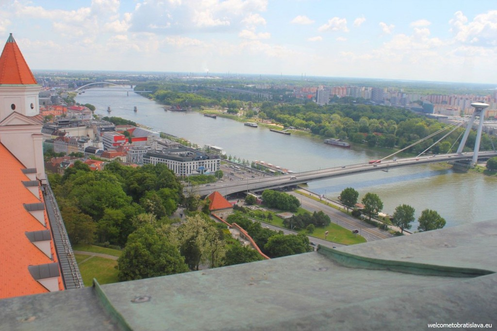 View on the UFO tower and Danube from the Crown Tower