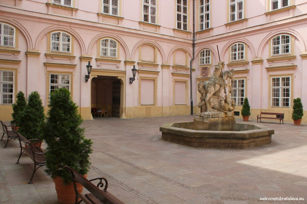 Courtyard of the Primate's Palace