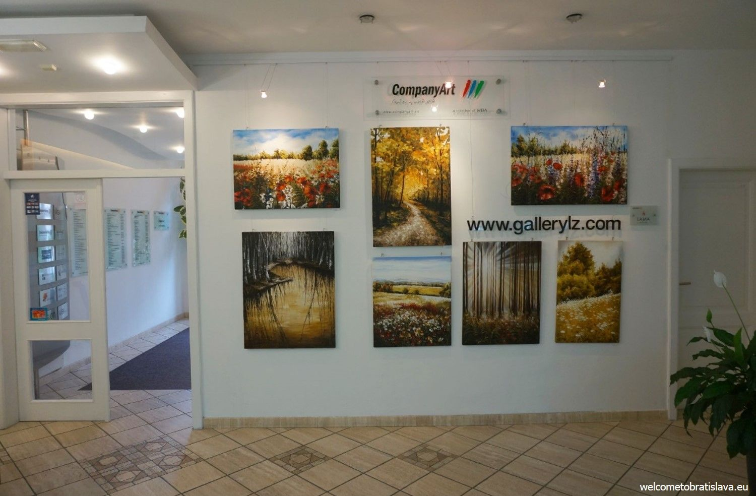 This mini gallery is basically presented in the spacious main hall of an administrative building