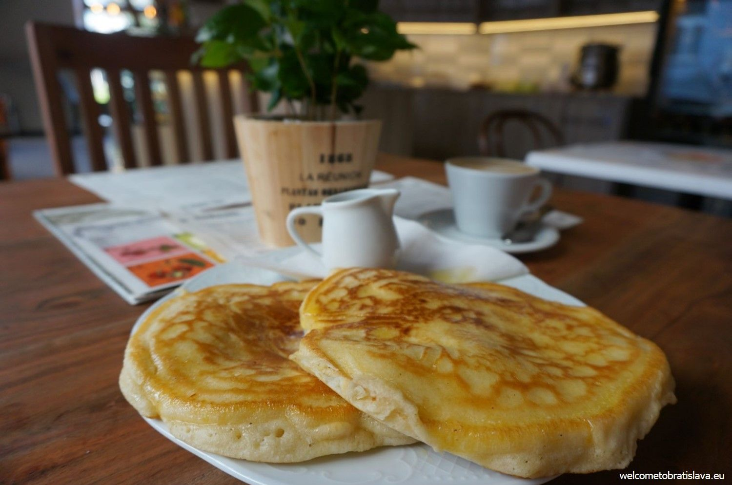 American pancakes with maple syrup