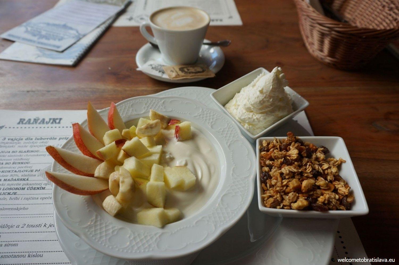 Home-made granola with yogurt and fruit