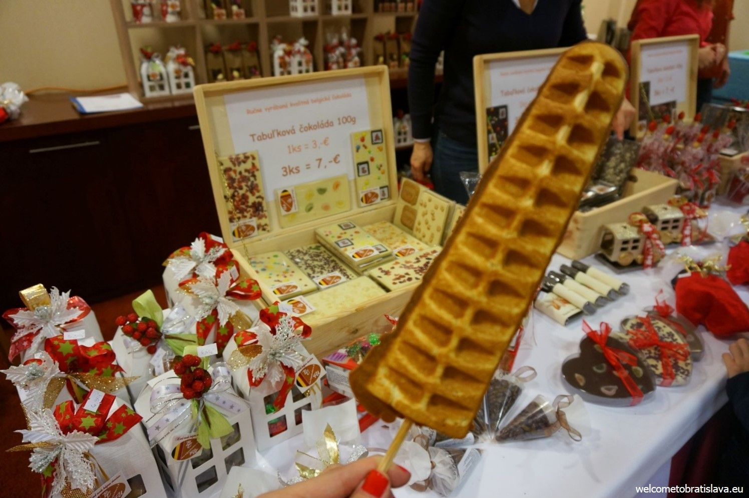 If you buy any of these thematic gifts at the stand in the back saloon, you get a huge waffle for free as a bonus :)
