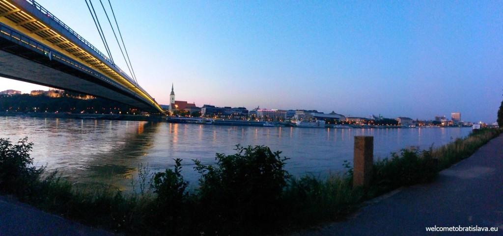 Danube embankment near the UFO bridge