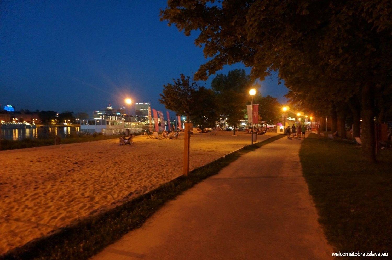 Tyršovo nábrežie - Magio Beach