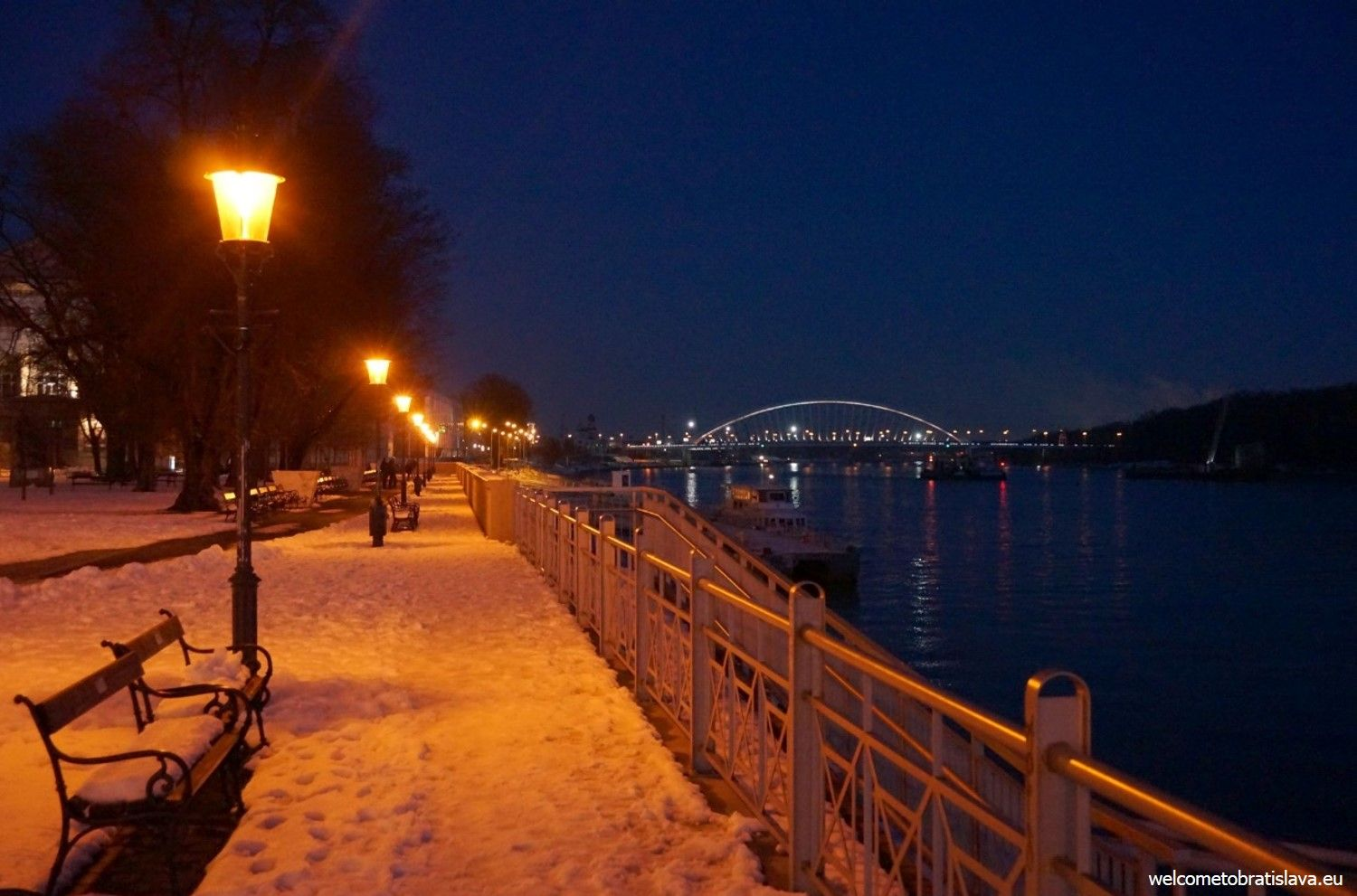 Danube embankment - view on the Apollo bridge