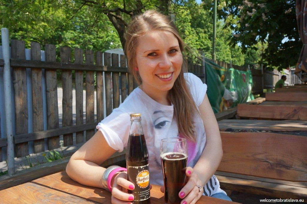 Enjoying kofola in the Funes pub, in Horsky Park