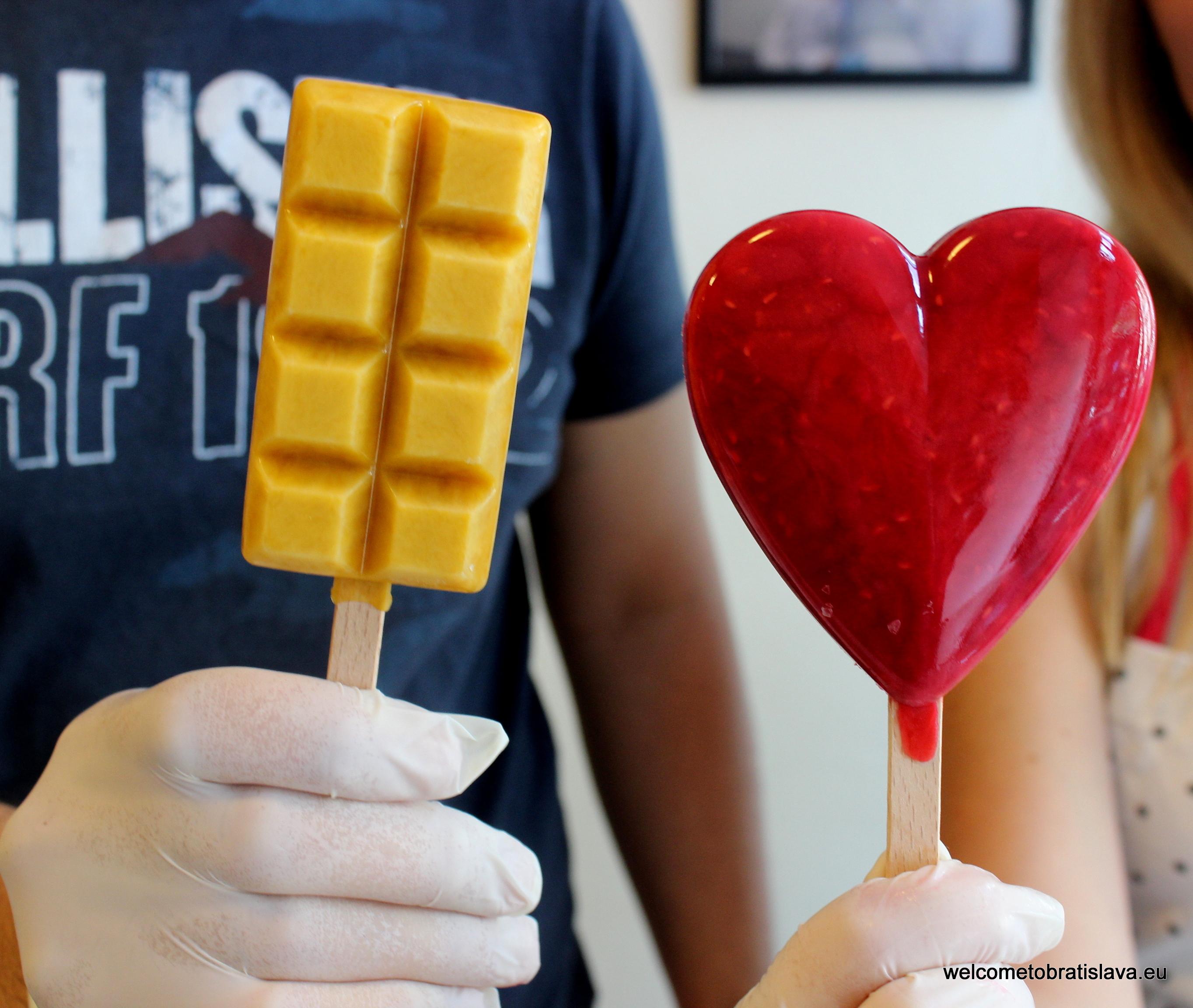 Marinela - mango bar and raspberry heart