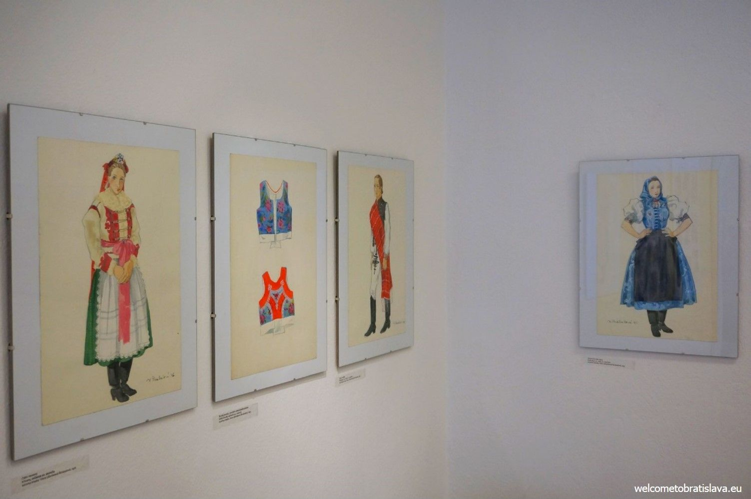 ULUV Gallery - interior