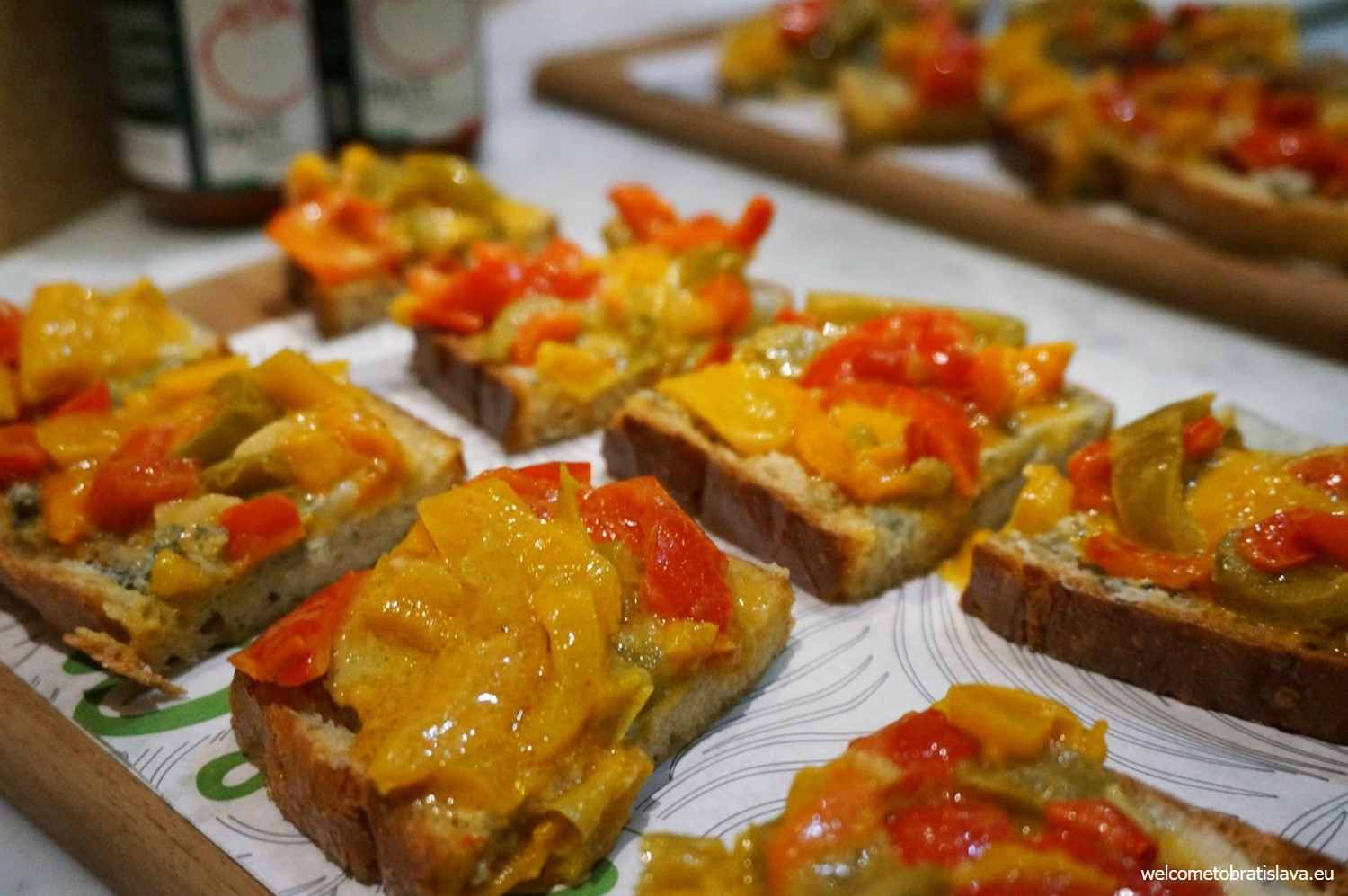 Bruschettas with Gorgonzola DOP and roasted peppers