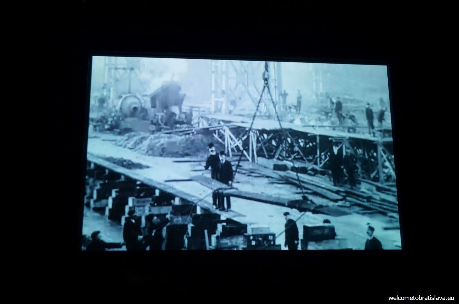 In the next room you will get to watch a short movie about how the ship was built and set out to sail.
