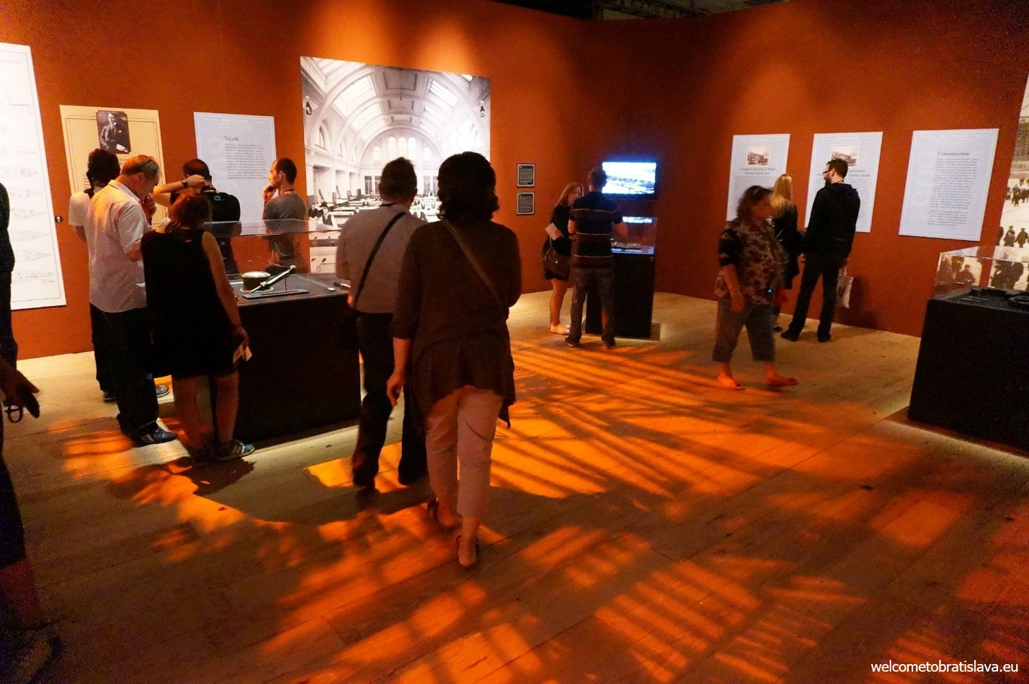 The whole exhibition is prepared in a way to make you feel as being a particular voyager on the board of Titanic.
