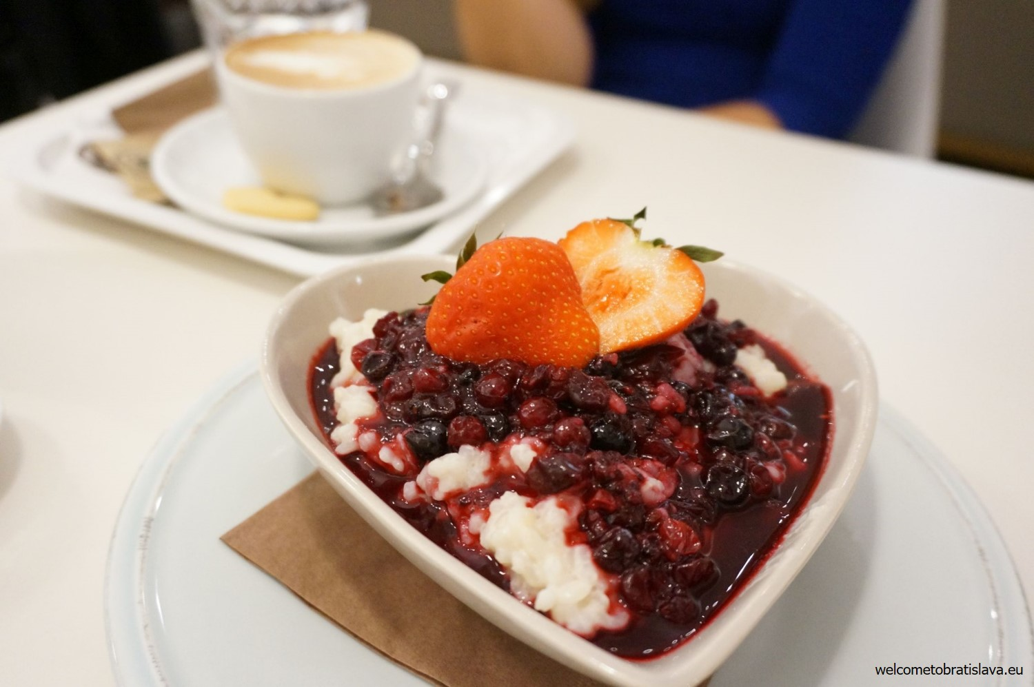 Sweet rice porridge with wild berries
