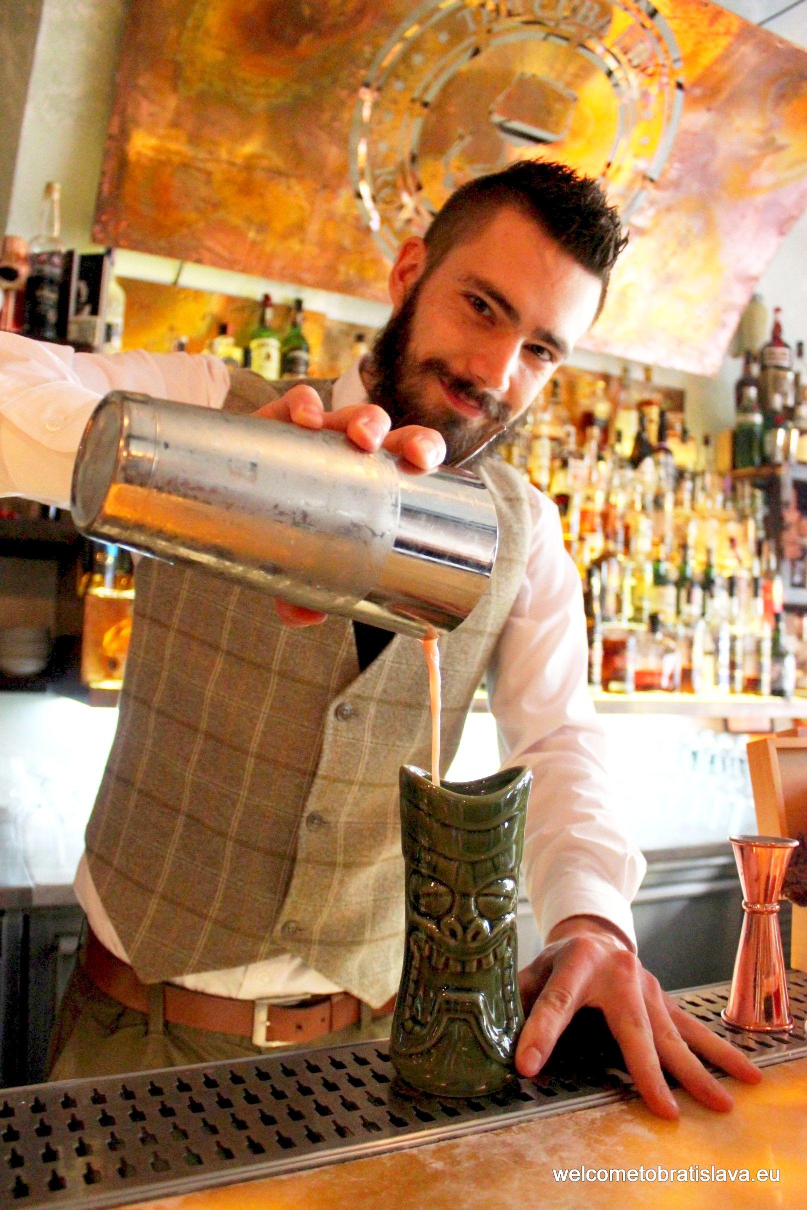 Best cocktail places Cuba Libre