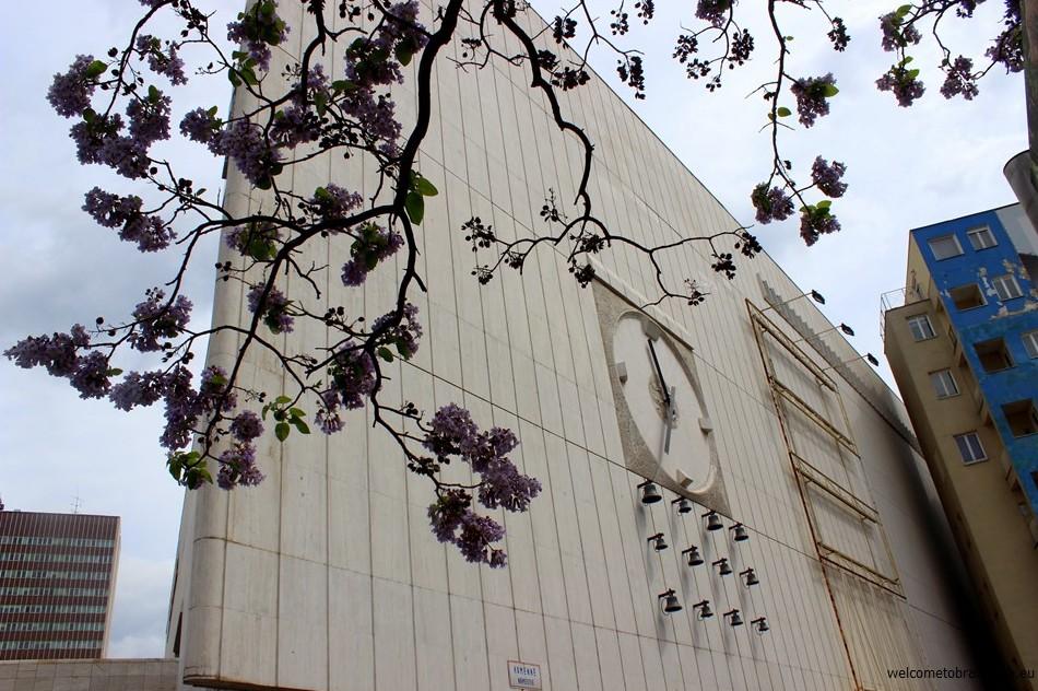SOCIALIST ARCHITECTURE IN BRATISLAVA: Kamenne Square - clock with bells