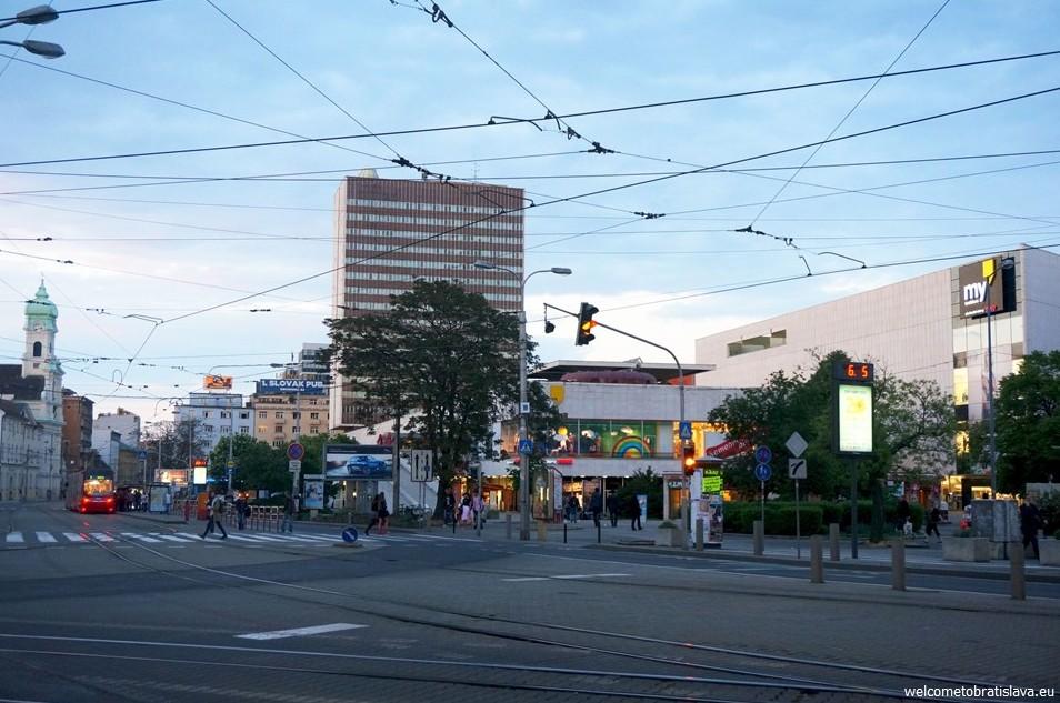 SOCIALIST ARCHITECTURE IN BRATISLAVA: Kamenne square