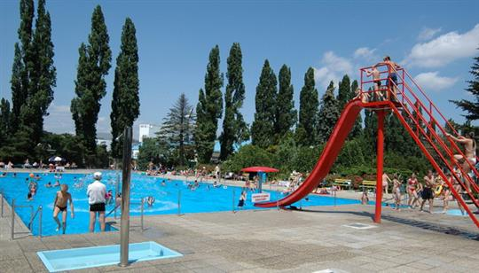 Swimming Pool Tehelne Pole