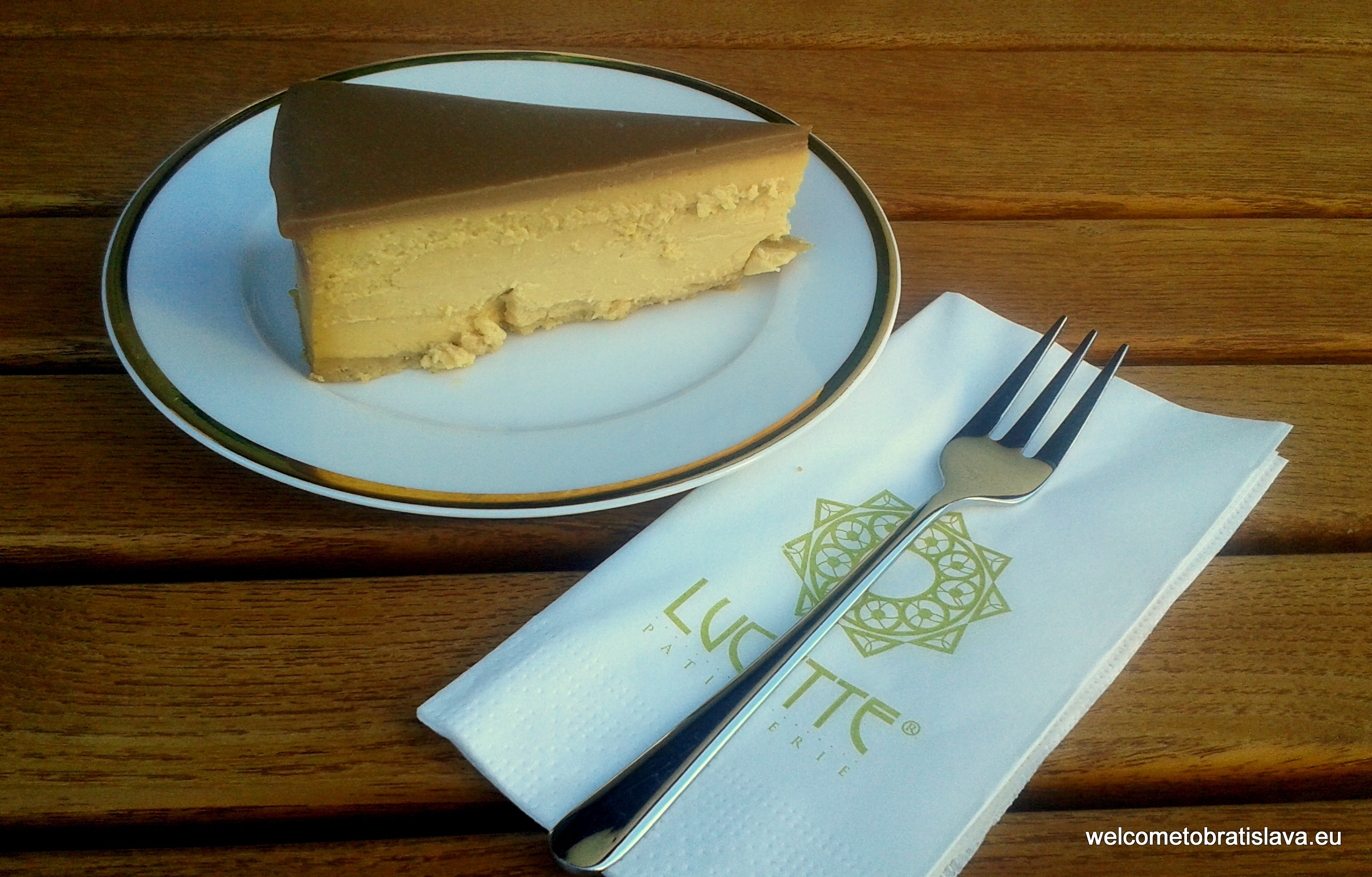 Lucette - salty caramel cheesecake