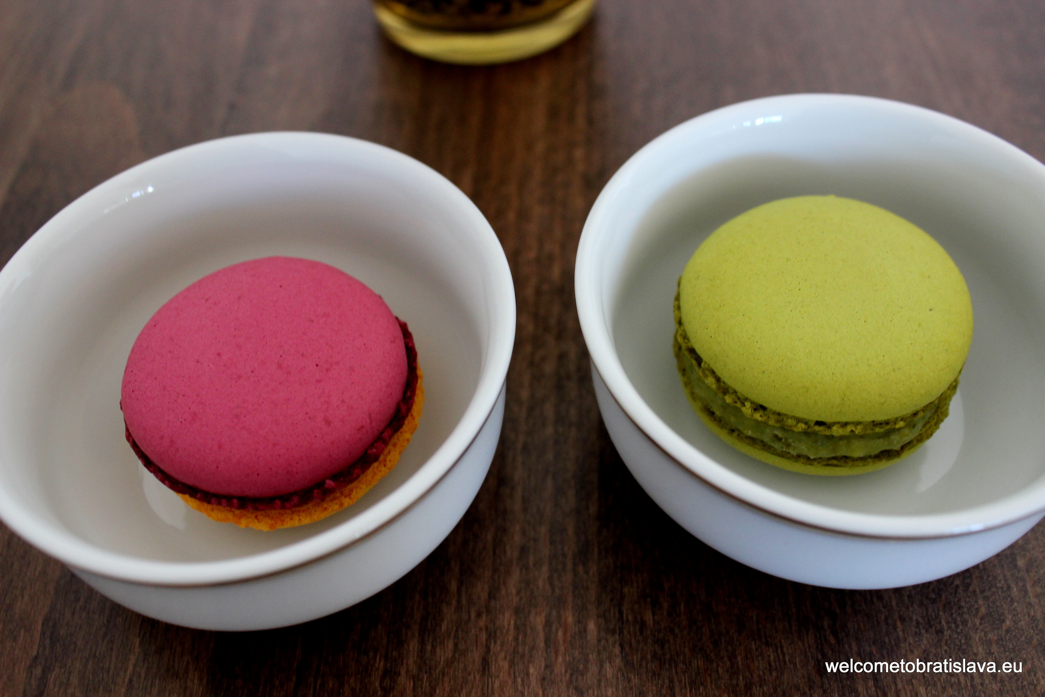 Lucette - pistachio and maracuja/beetroot macarons