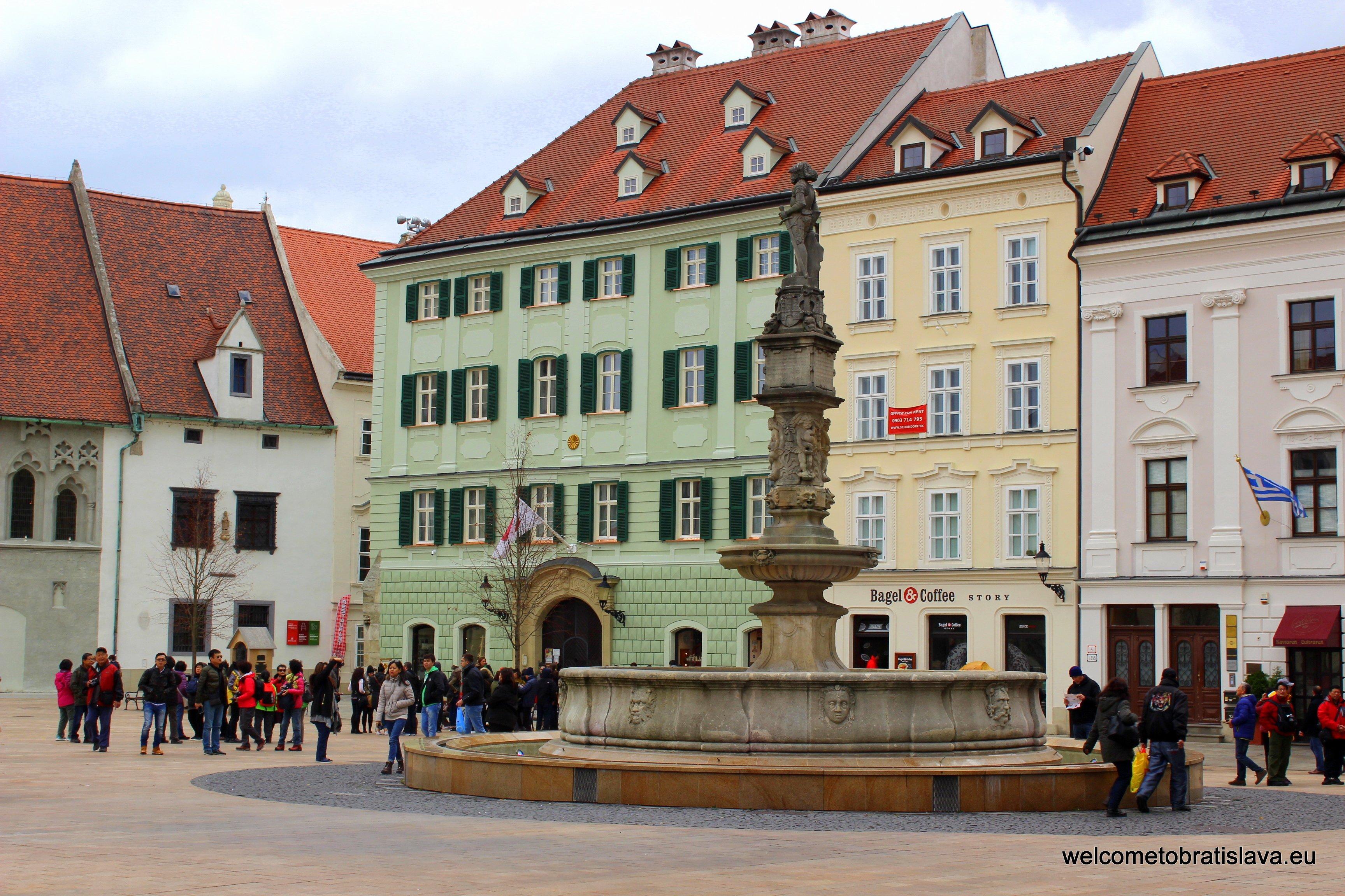 Coronation journey - the Main Square
