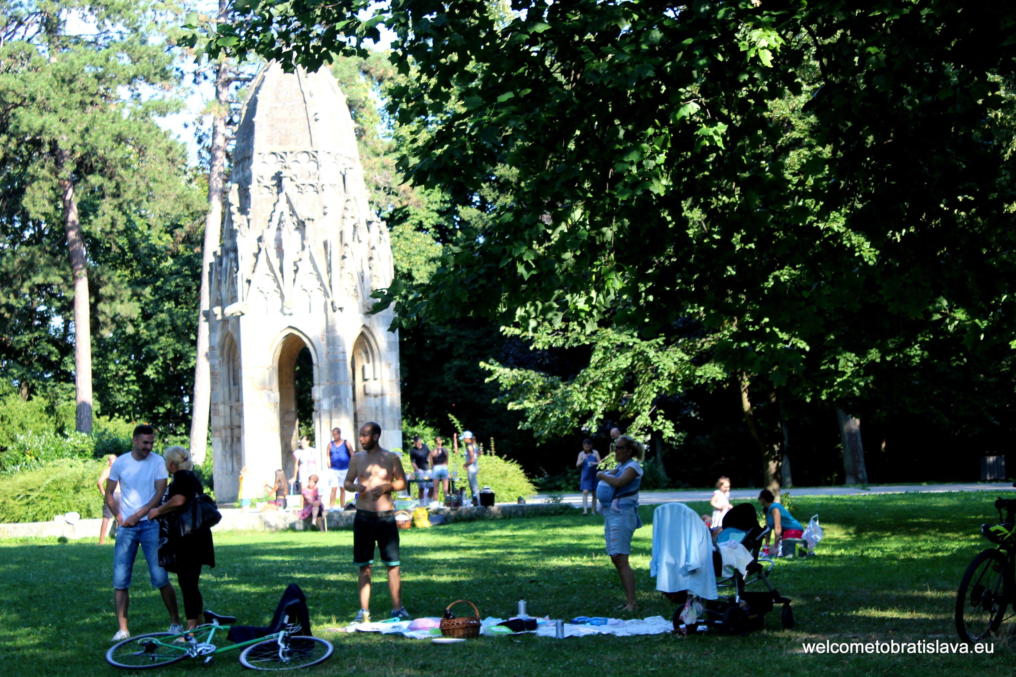 Outdoor places for kids in Bratislava - Sad Janka Krala