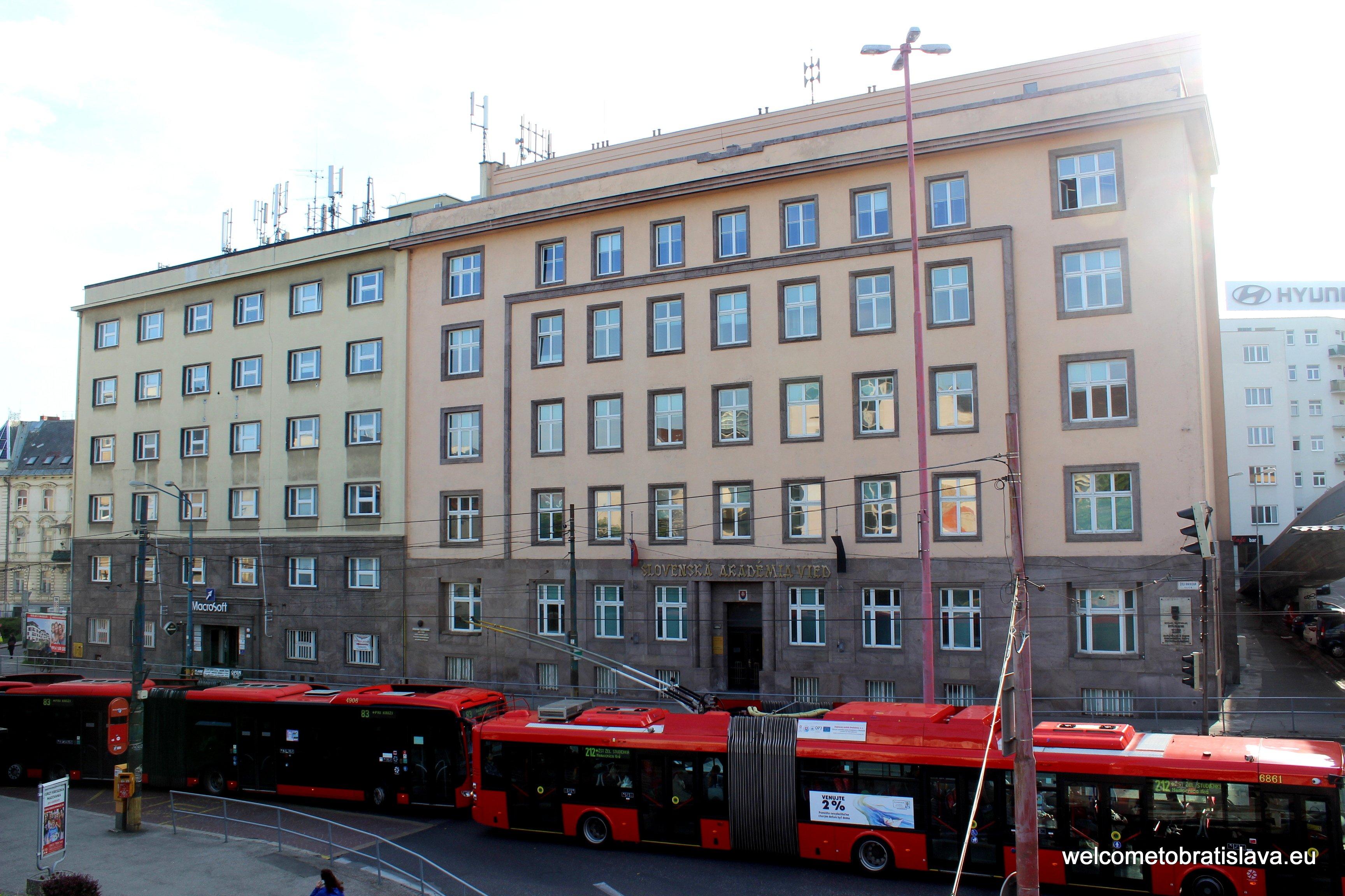 Stefanikova Street - Slovak Academy of Sciences