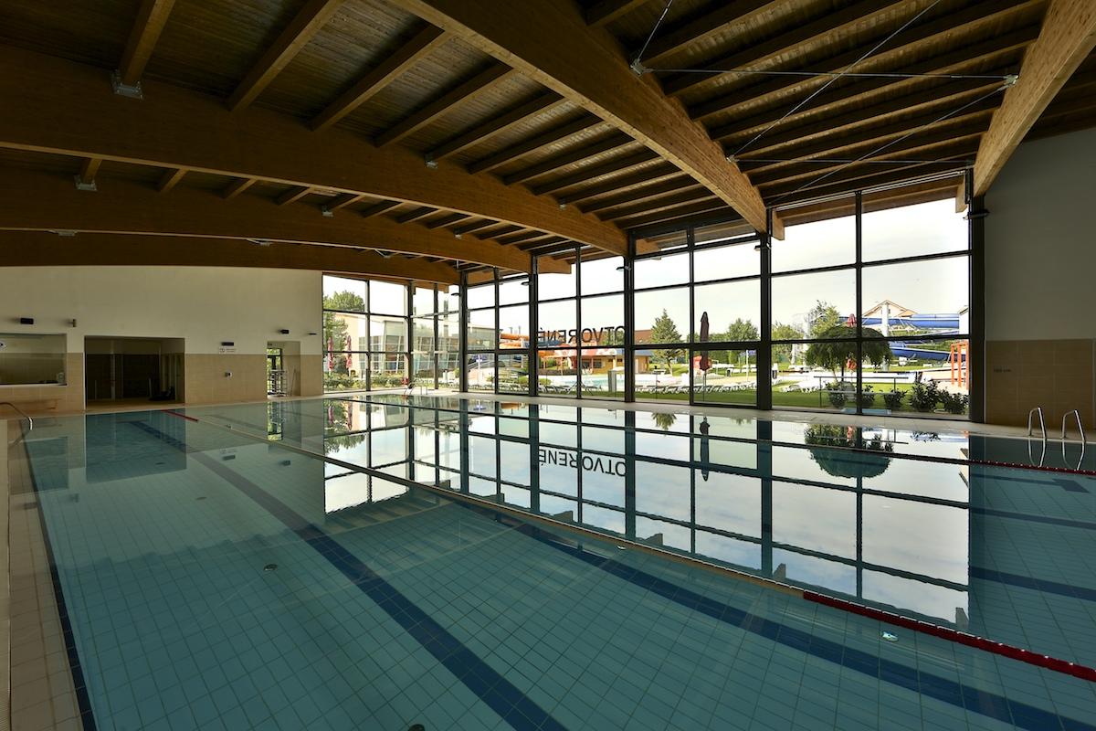 indoor swimming pools in Bratislava - Aquapark Senec