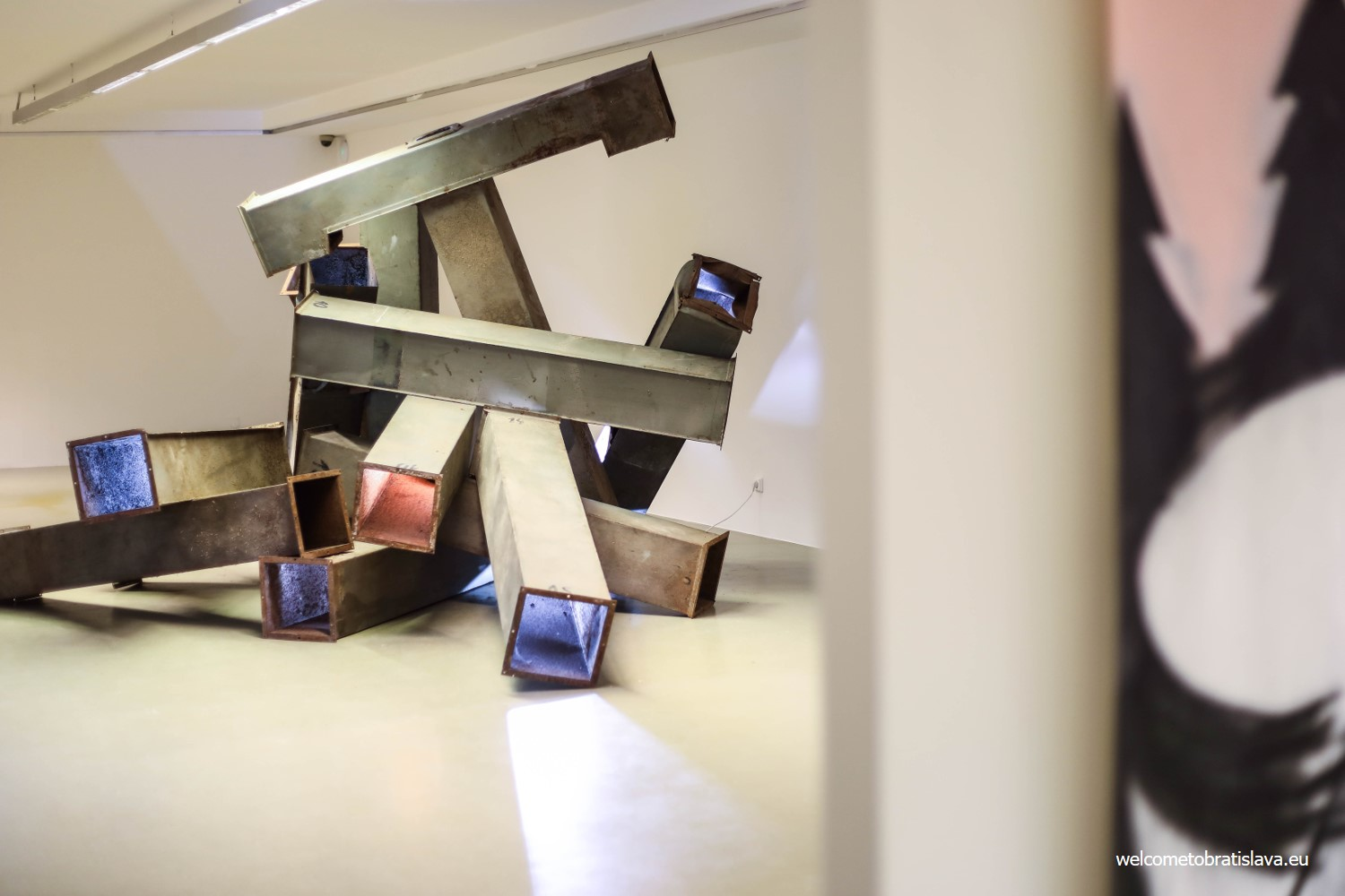 KUNSTHALLE: CONTEMPORARY ART AND INTERACTIVE SPACE